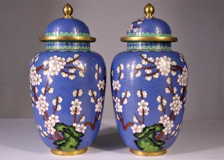 Read more about the article Pair of Chinese Cloisonne Urns