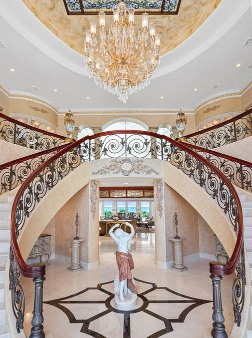 Offering the Contents of a $10.5 Million Estate at 825 Longboat Club Rd. Longboat Key, Florida.